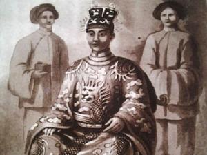 Vua Trung Hoa và những câu chuyện loạn luân2